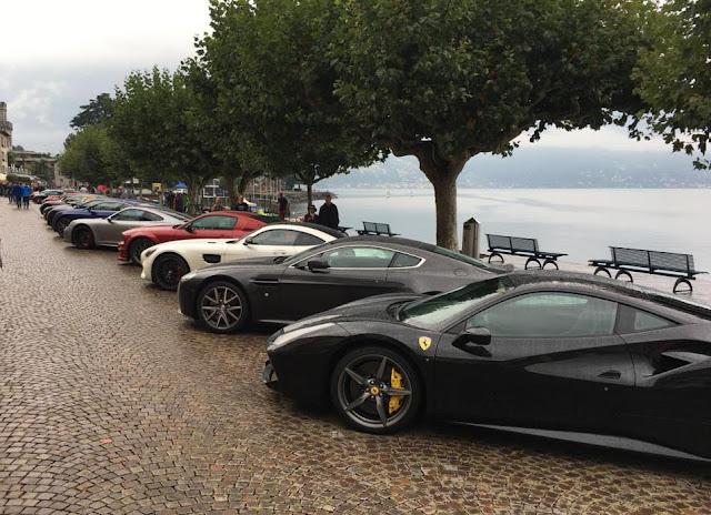 Supersportwagen parken an der Seepromenade in Ascona auf dem Sportcars Day 2018
