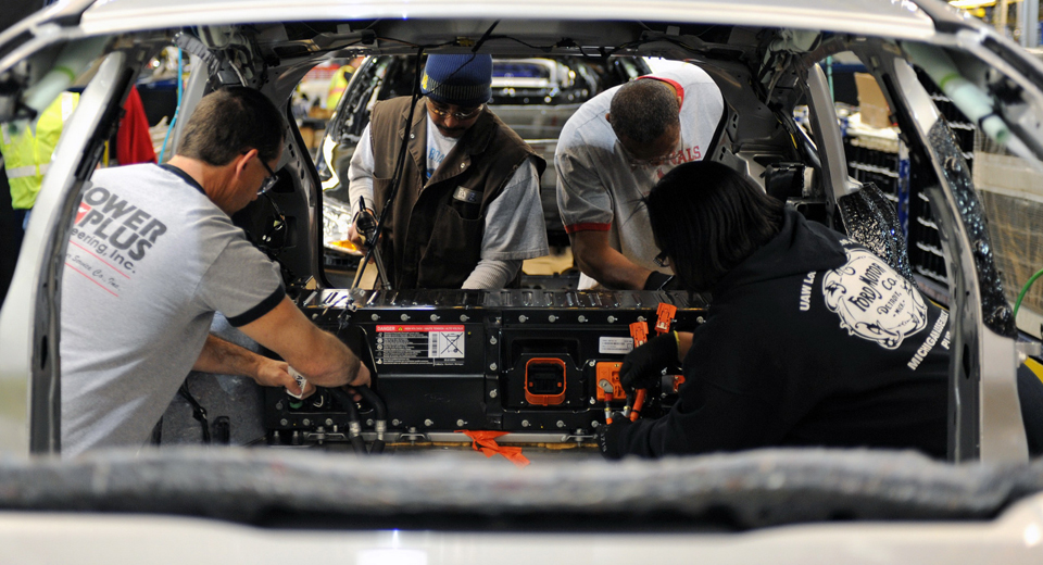 Ford plans to cut 1400 salaried jobs in North America, Asia