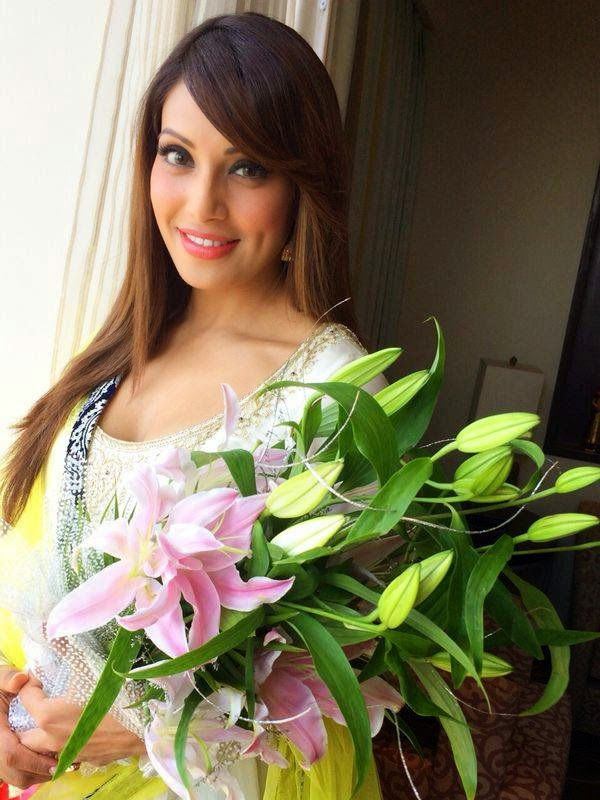 Bipasha Basu in white dress
