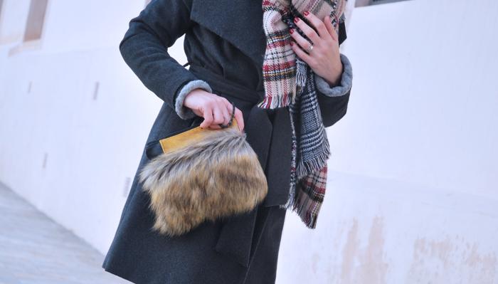 faux-fur-handbag