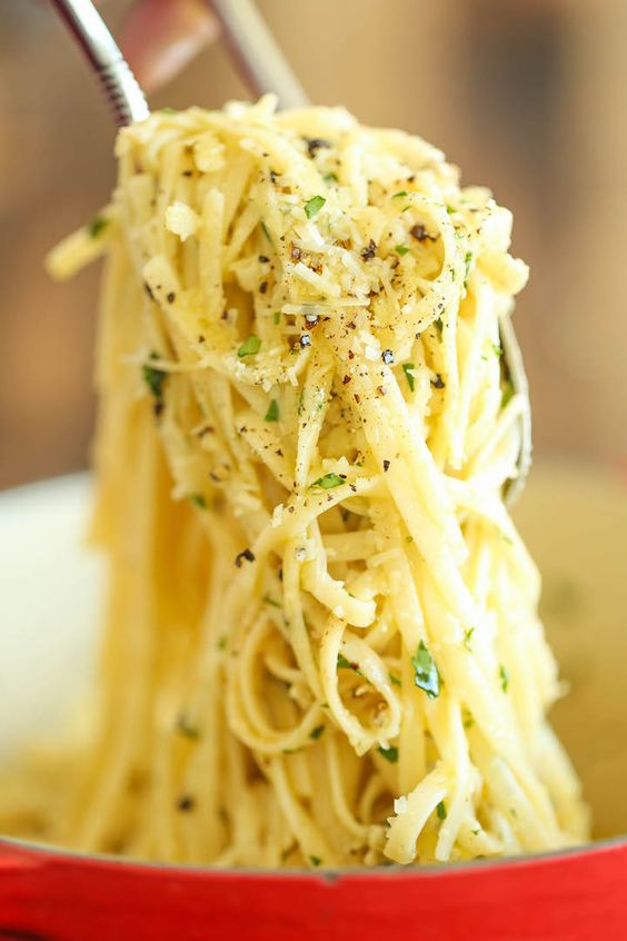 PARMESAN GARLIC SPAGHETTI #parmesan #garlic #spaghetti #pasta #pastarecipes #easypastarecipes