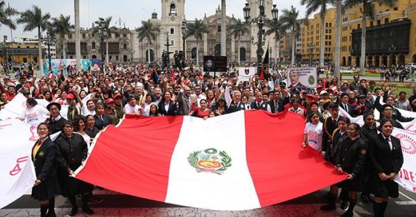 MINEDU: Ministro de Educación presenta en Lima la agenda del Bicentenario - www.minedu.gob.pe