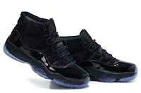 Air Jordan 11 (Blackout)