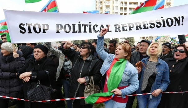 Azerbaiyán continúa la represión contra la sociedad civil - Human Rights Watch