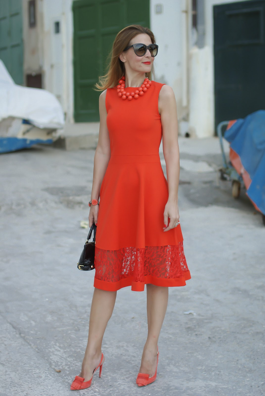 A coral midi dress from French Connection and a matchy matchy outfit with Vittorio Virgili shoes on Fashion and Cookies fashion blog, fashion blogger style