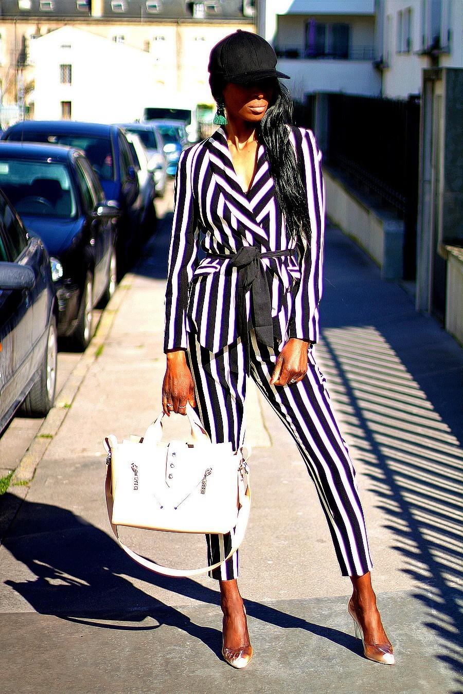 tailleur-blazer-rayures-escarpins-transparents-sac-kenzo