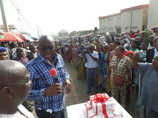Fayose Shares His Birthday Cake With Residents Of Ado-Ekiti, Hands Them N200 Each 4