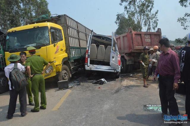 Quảng Ngãi: Tai nạn nghiêm trọng trên QL1 làm 4 người chết, 8 người trọng thương