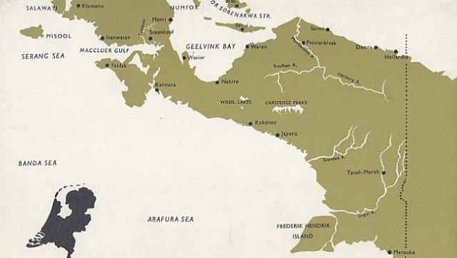Pada Tahun 1859 Pemerintah VOC Hindia Belanda membuka 16 pelabuhan di Indonesia, diantaranya Sampit.