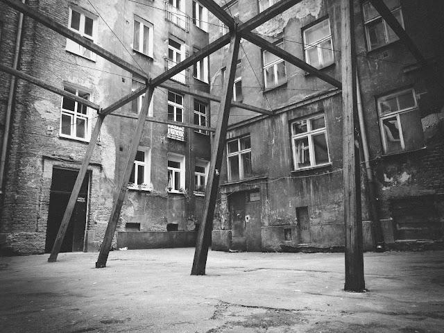 Stara kamienica, Waliców 12, Warszawa