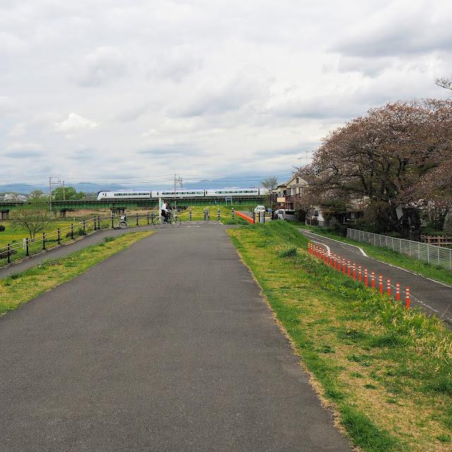 多摩川サイクリングロード 中央線