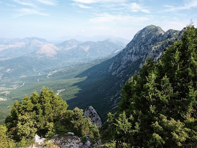 Διάσχιση της κορυφογραμμής της Πετροβίτσας από τον Ελληνικό Ορειβατικό Σύλλογο Ηγουμενίτσας