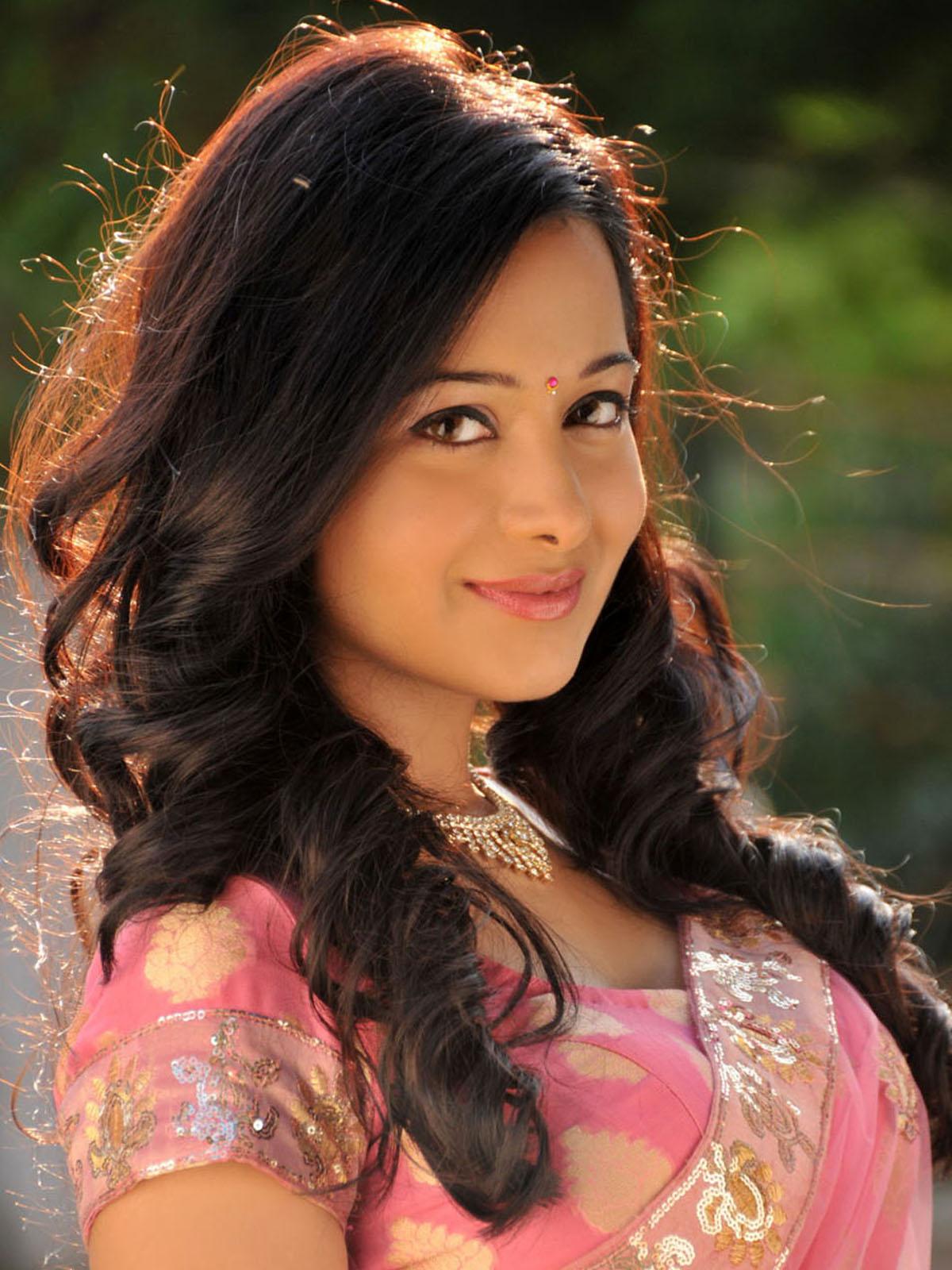 Articleshpk actress preetika rao wallpapers highest paying keywords articles - Indian beautiful models hd wallpapers ...