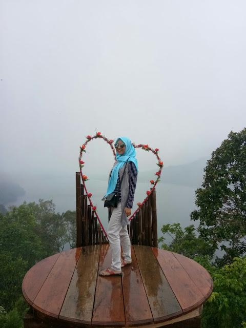 Tips Mengunjungi Tempat Wisata di Bali Bersama Teman-teman. Taman Wisata Munduk Danu Desa Pakraman Wanagiri Bali