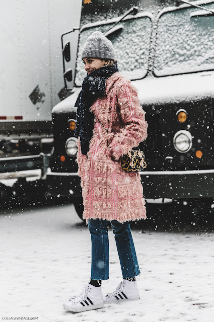 NYFW-New_York_Fashion_Week-Fall_Winter-17-Street_Style-Pink_coat-Sneakers-.jpg