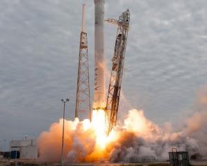 SpaseX вдало запустила в космос Falcon 9