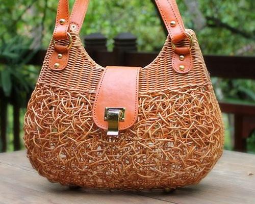 Tinuku.com Manggar Natural studio design luxury handbag using rattan to expose passive texture and spontaneous decopage