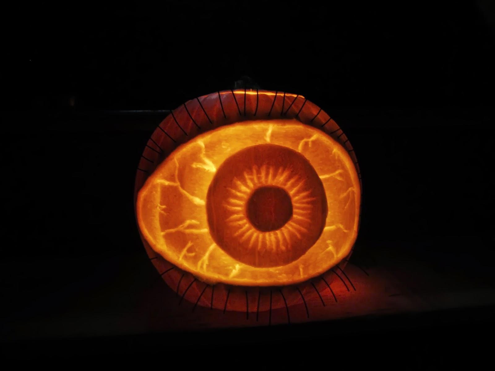eye pumpkin carving