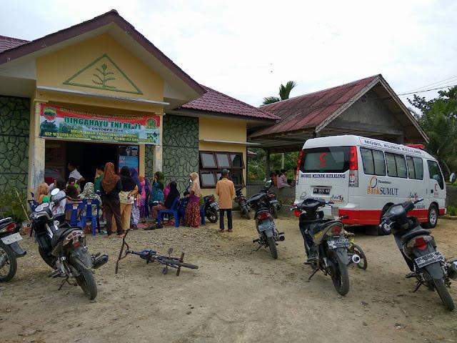 Masyarakat Korban Banjir Langkat Mengeluh Karena Kondisi Kesehatanya Menurun, BSMI Terjunkan Relawan Medis