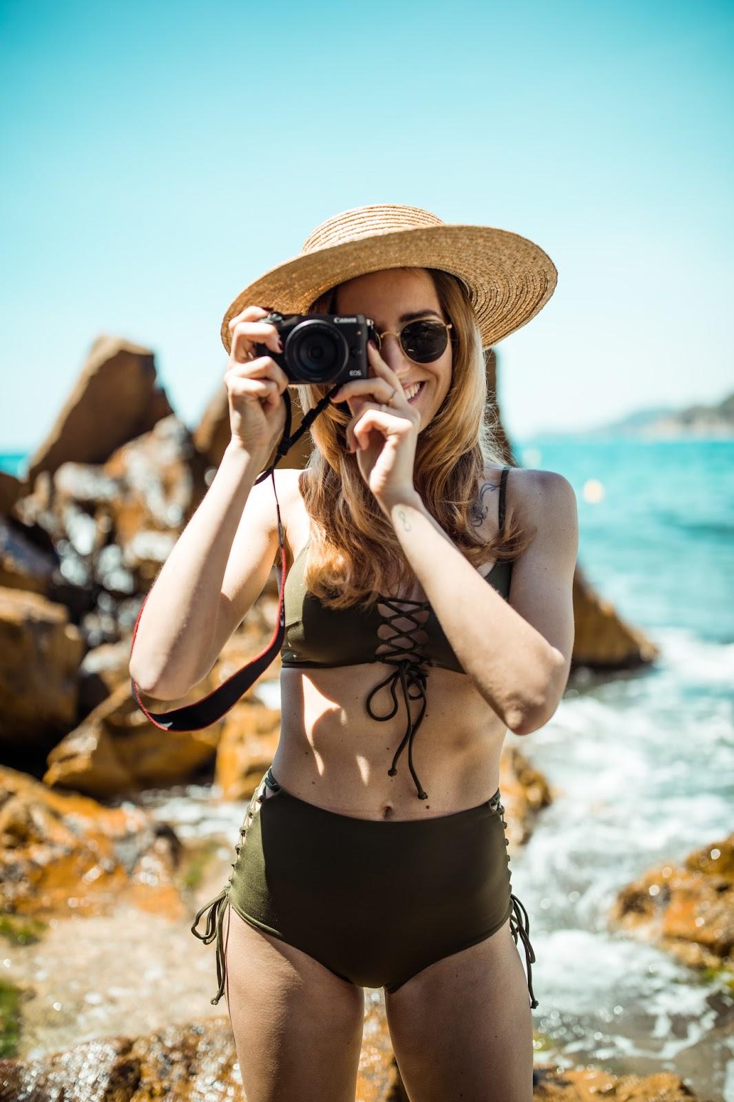 camera girl beach