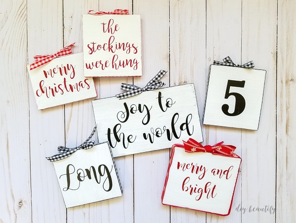 miniature farmhouse-style sign ornaments
