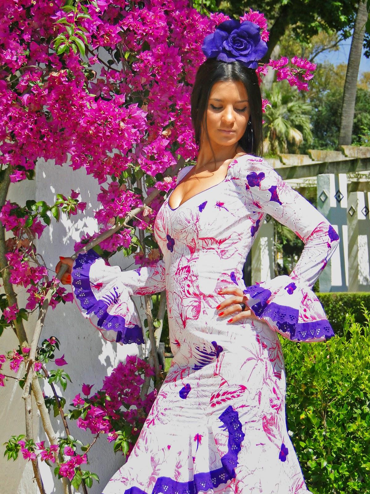 Traje de flamenca morado