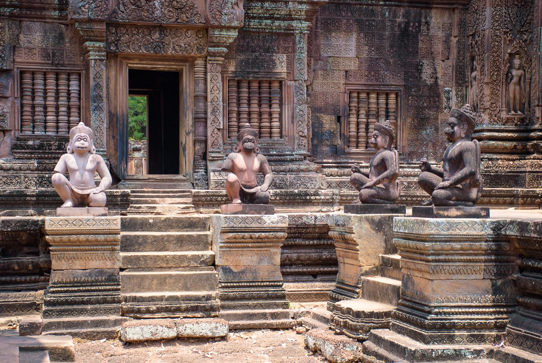 cambodia hindu temples. Banteay Sri, Banteay Samre, Preah Khan, Ta Som, and Neak Pean