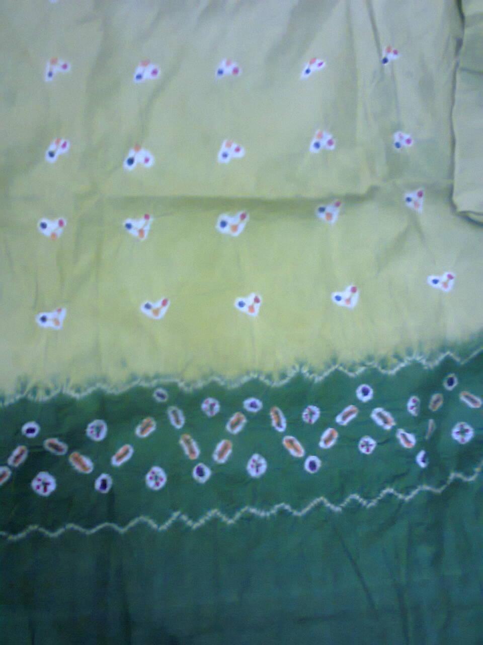 Batik Jumputan mempunyai Nilai Seni tersendiri. Keanggunan corak dan warna  sangat dipengaruhi oleh ketrampilan pengrajin. Hasil corak dan warna yang  timbul ... 71d6ac2fbf