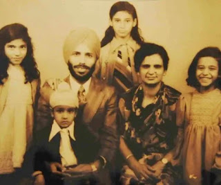 Milkha Singh biography, 400 meter record, Olympic, Milkha Singh age, Milkha Singh childhood pics, Milkha Singh education, Milkha Singh parents, Milkha Singh father, Milkha Singh mother, Milkha Singh wiki, Milkha Singh date of birth, Milkha Singh family, Milkha Singh wife, girlfriend, Milkha Singh career, Milkha Singh daughter, Milkha Singh son, Milkha Singh marriage pics, Milkha Singh awards, Milkha Singh marriage video