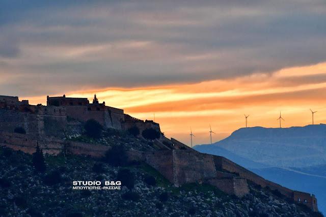 Η φωτογραφία της ημέρας: Παγωμένο ηλιοβασίλεμα