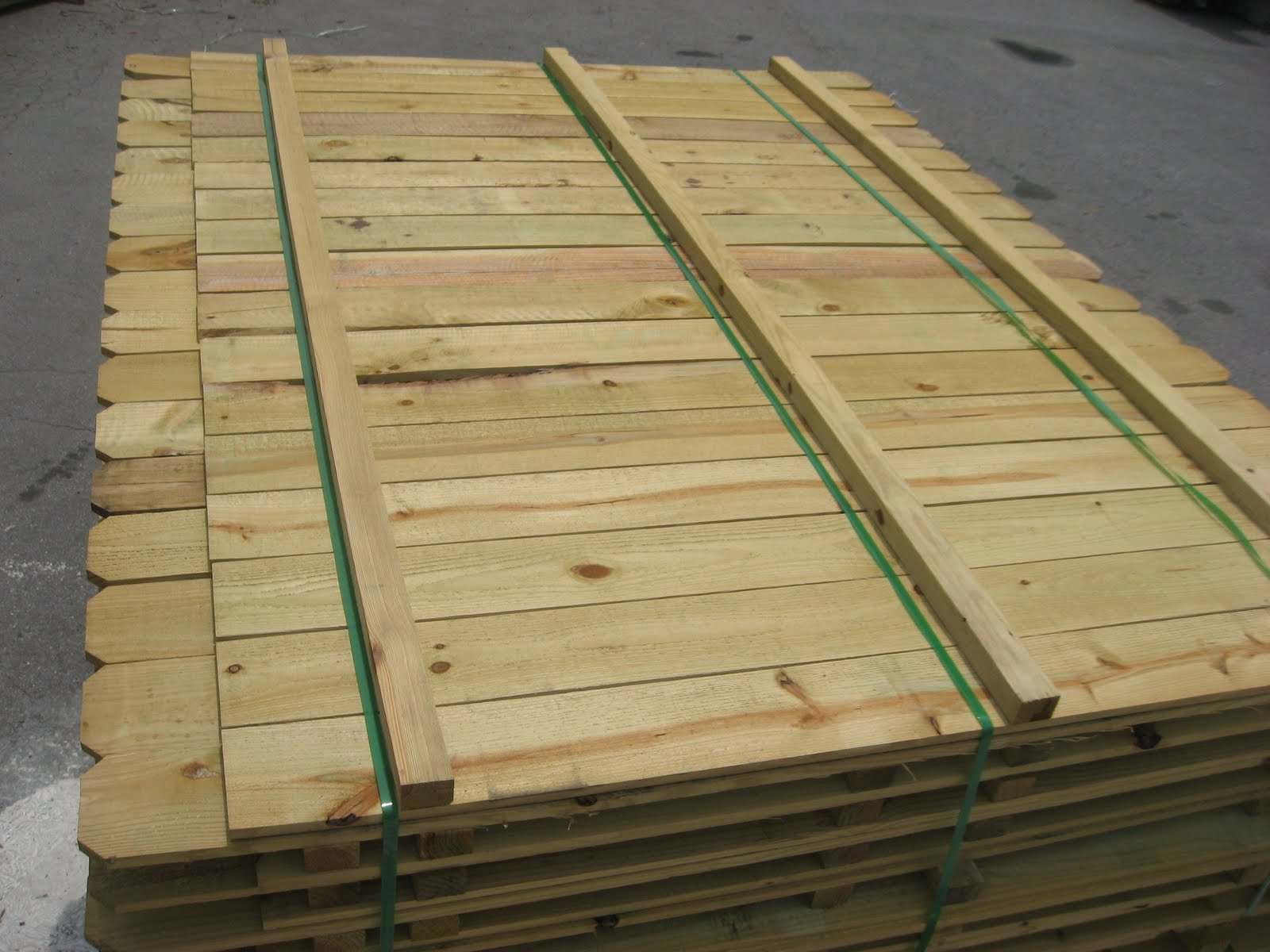 Blue Ridge Surplus Tubs And Wood Privacy Fencing