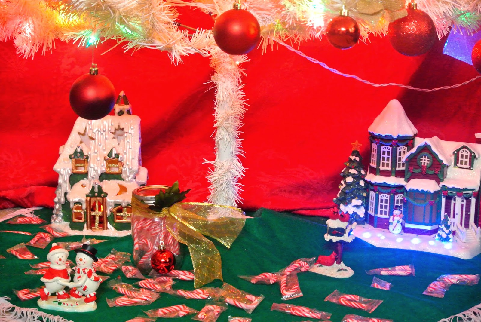 Christmas house, snowman, tree skirt