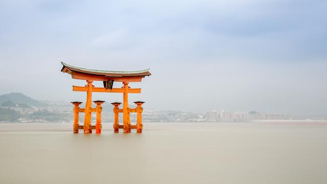 Torii flotante - santuario Itsukushima :: Canon EOS5D MkIII | ISO100 | Canon 24-105@67mm | f/20 | 30s