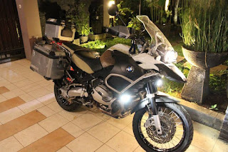BMW R1200GS ADV White