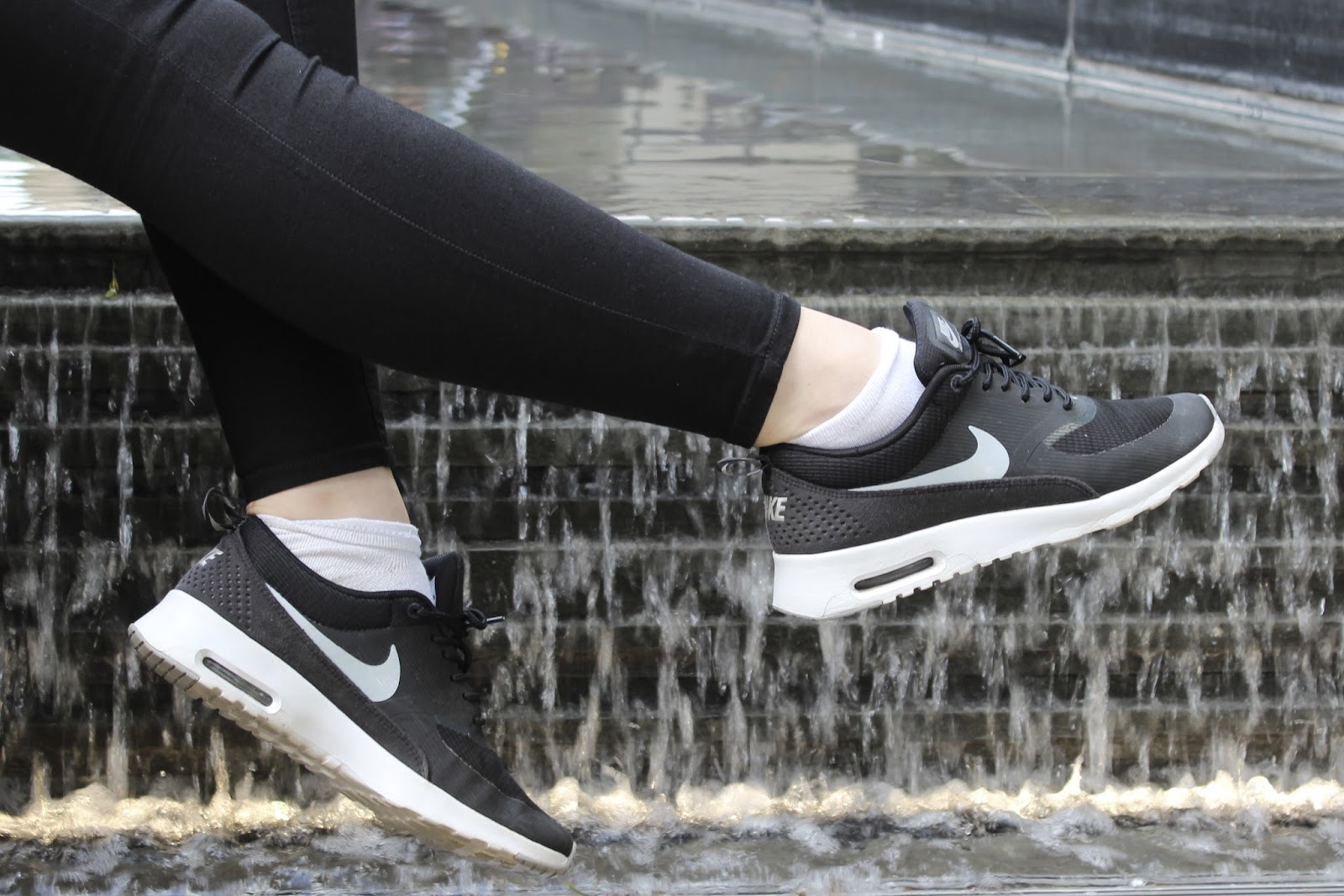 ootd outfit nike air max thea blogger fashion