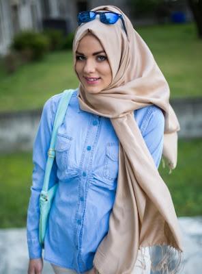 Model Baju Jeans Muslim Modis dan Trendy Terbaru