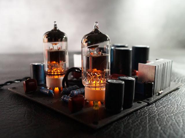Ламповый предварительный усилитель в сборе