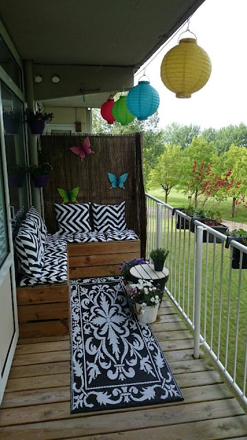 Cute Apartment Balcony: 25 Cute And Cozy Small Balcony Designs