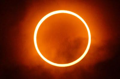 Gambar gerhana matahari total cincin 09 maret 2016
