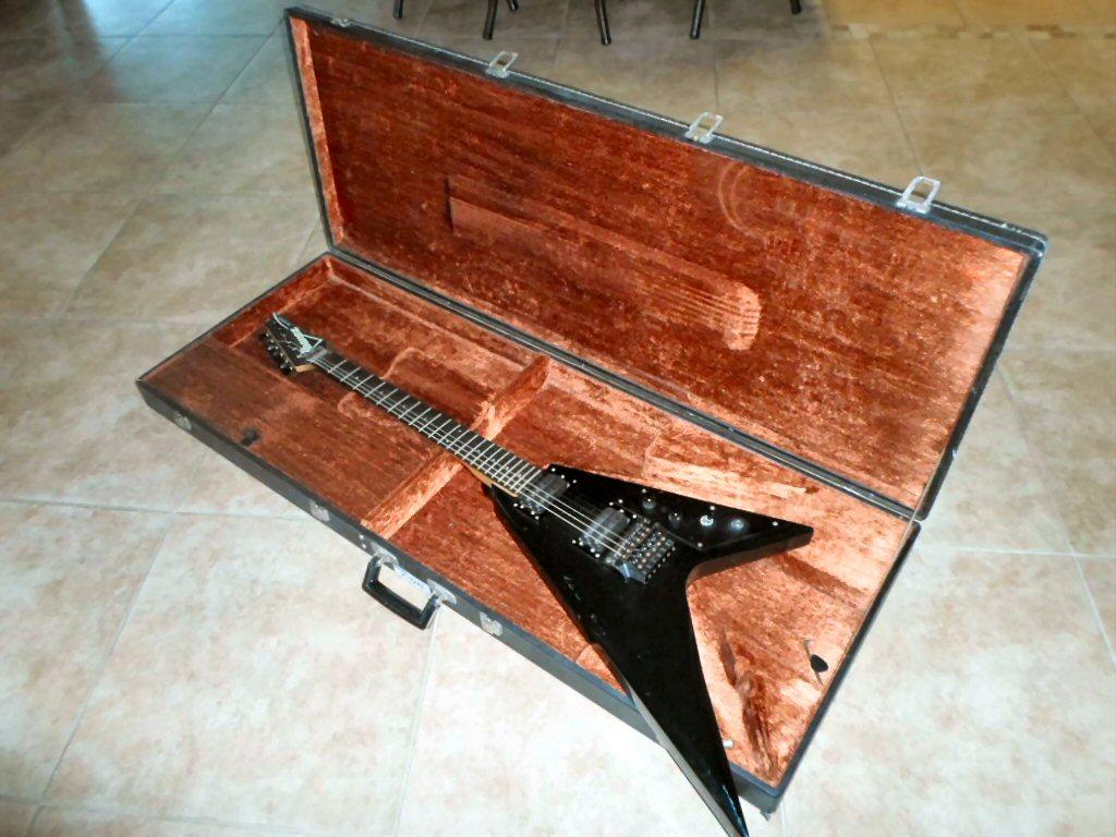 ibanez fender martin gibson guitars 1984 vintage ibanez gibson flying v style rare made. Black Bedroom Furniture Sets. Home Design Ideas