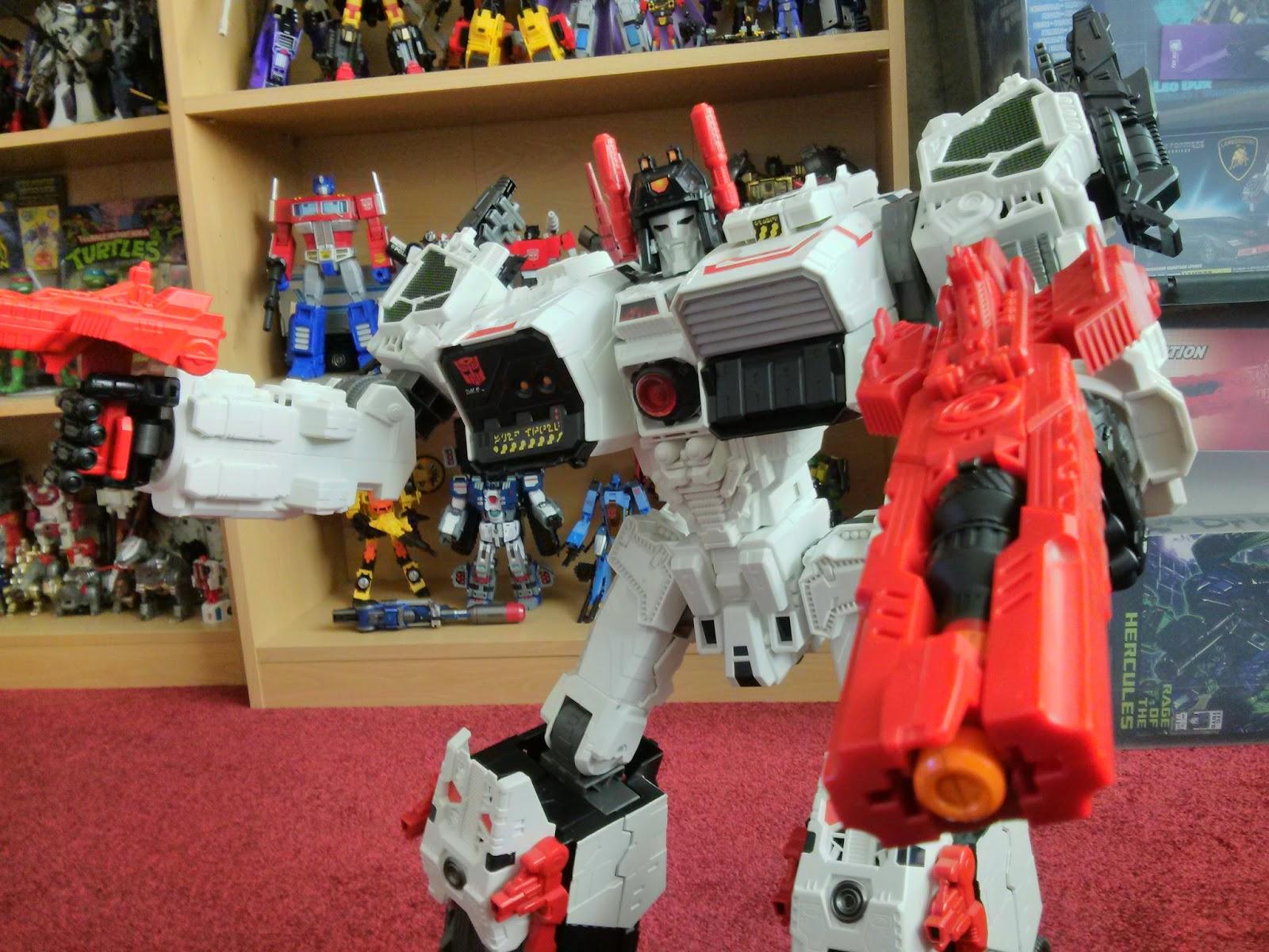 x2 toys metroplex gun in Metroplexs hand