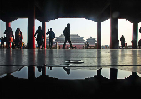 China's Forbidden City still lures inquisitive public