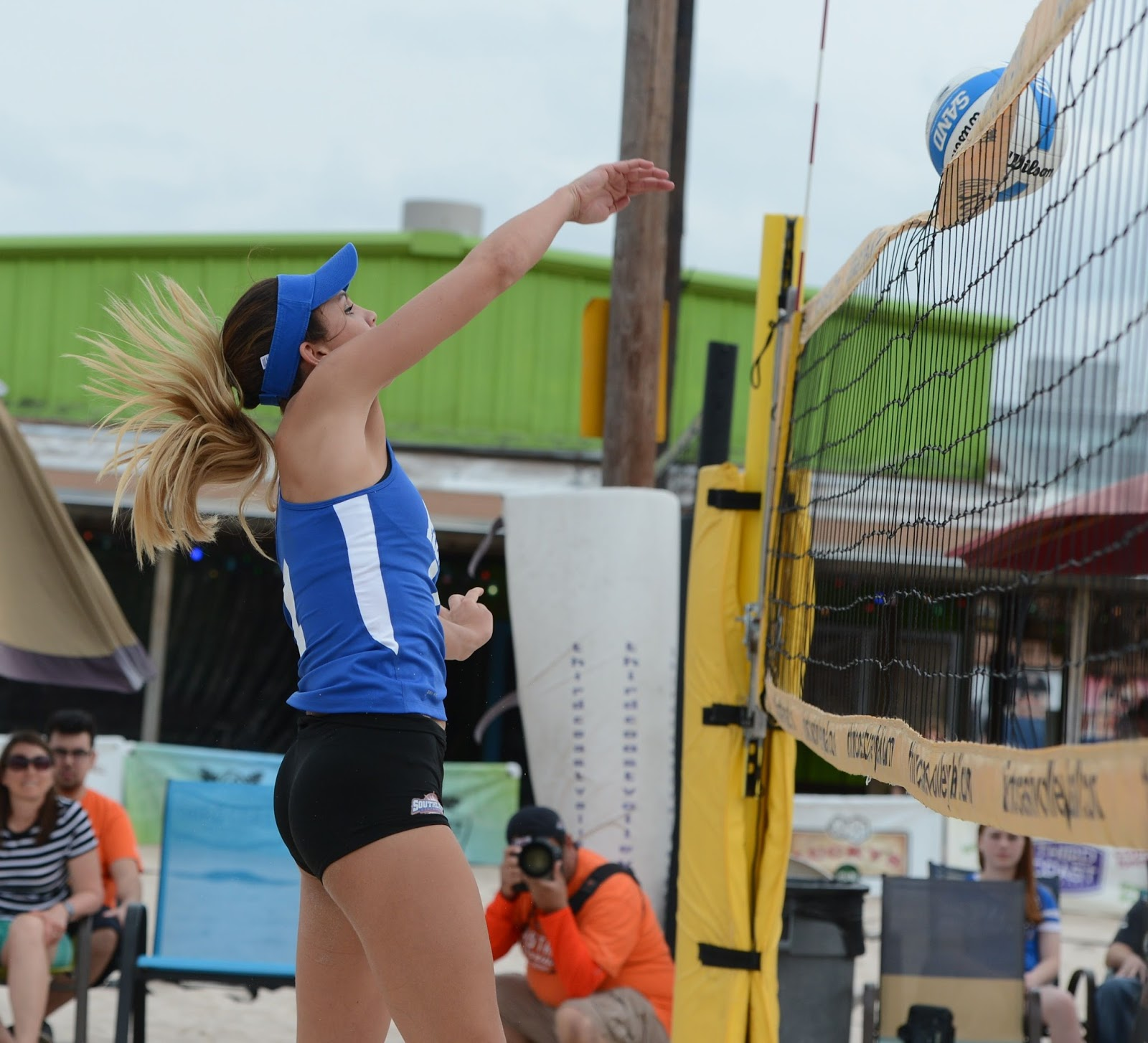 Texsport Publications Hbu Takes Inaugural Beach Volleyball Match 3 2 Over Texas A M Corpus Christi
