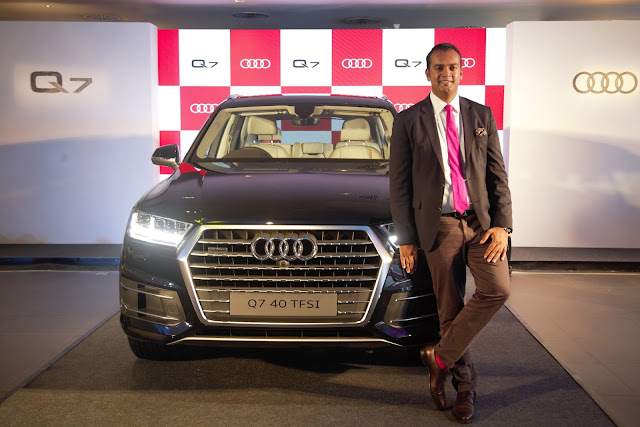 Audi drives in the Audi Q7 40 TFSI quattro #HighOctaneGreatness
