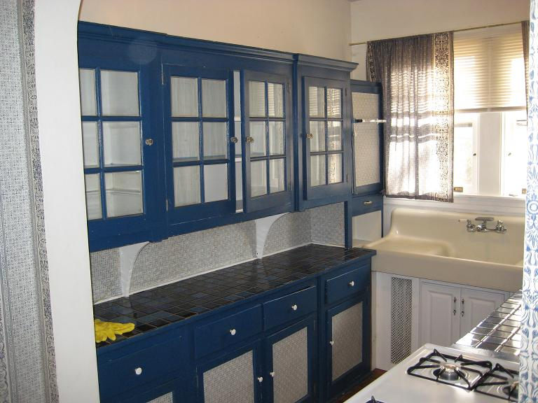 Delightful Blue Cabinet Kitchen That Will Provide You Extra Pleasure