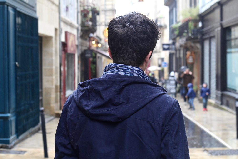 blog-mode-style-homme-paris-bordeaux-somwhere-echarpe-cheche-ete-vetement-bleu-churchs-leyton-coupe-vent-deperlant-impermeable-menstyle-french-blog-bordeaux