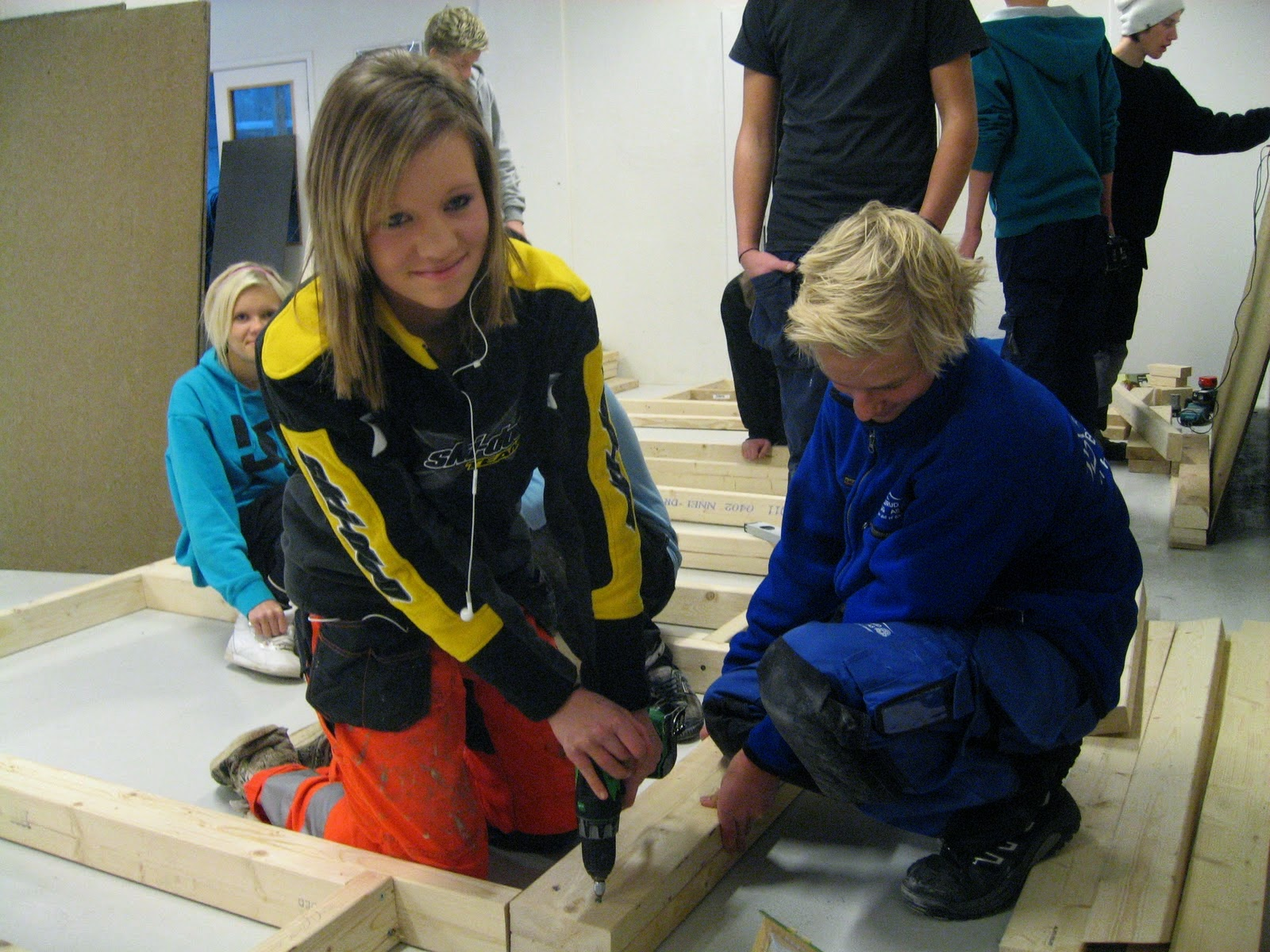 12 jpg today many educationalists recommend having practical subjects in curriculum for students like repairing and some other life skills in addition to routine
