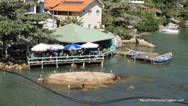 Restaurante no canal da Barra da Lagoa - Floripa