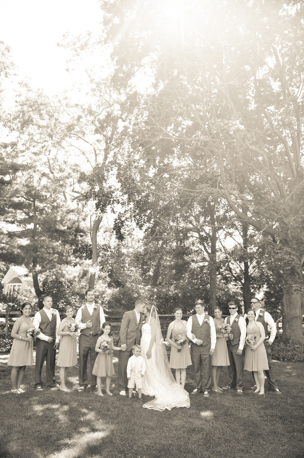 DIY backyard wedding by Erin H Photography