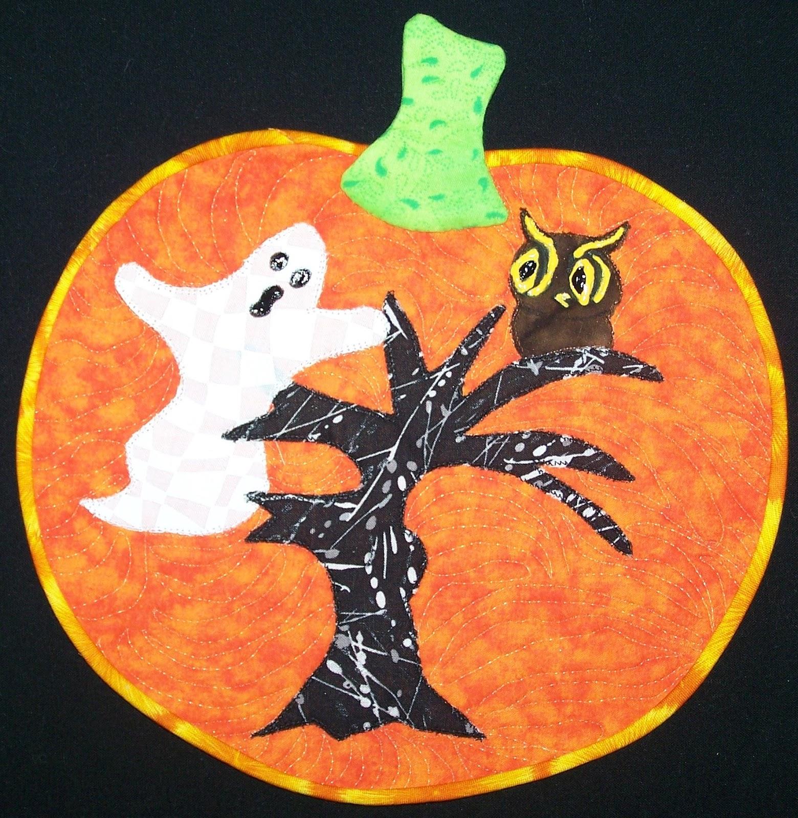 Damsel Quilts & Crafts: Ghostly Pumpkin Mug Rug